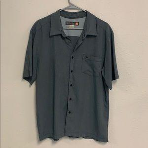 Men's shirt sleeve button up